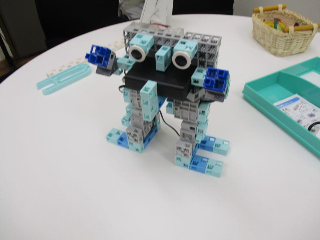無事ロボットの組み立てが完了